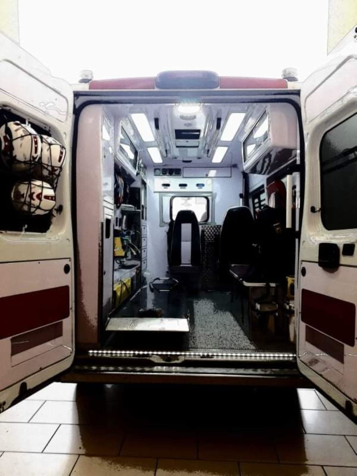 Angera, incidente in piazza Cavour